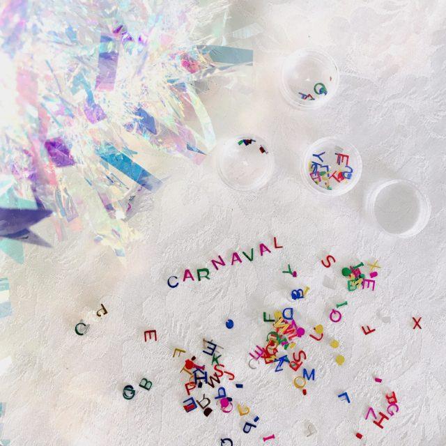 Make holográfica para o carnaval