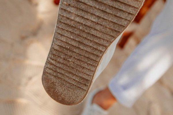 """Com sapatos feitos de borracha reciclada, Homem do Sapato lança coleção """"Na Areia"""""""